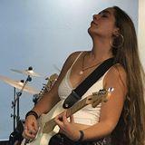 Blogger  Alicia Cortés - Estudiante y músico .