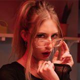 Blogger    Tania del Amo - Student.